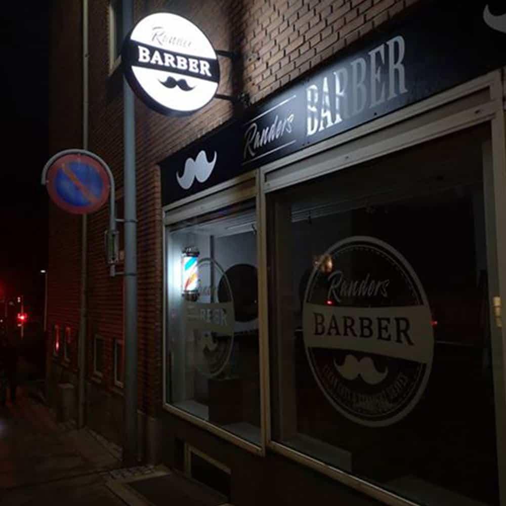 Design af facade til barber - aften