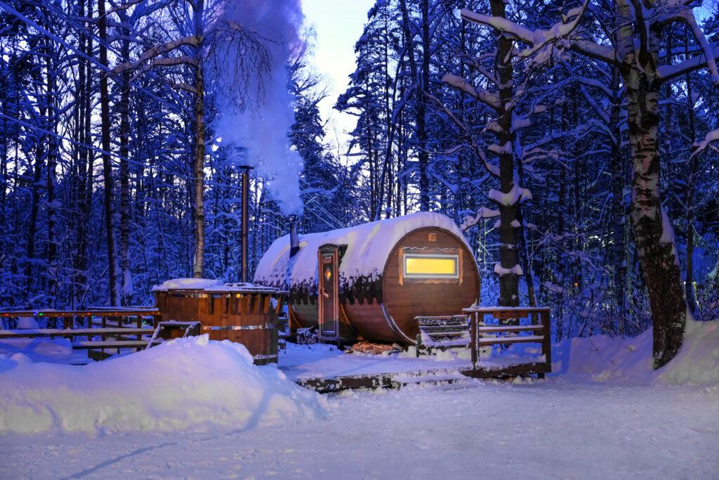 wildernisspa-winter-sauna-hottub