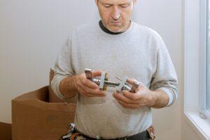 Min far arbejder som låsesmed hos Låsesmed Amager