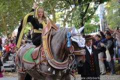 Münchner Kindl Viktoria Ostler, Einzug der Wiesnwirte am Oktoberfest in München 2018