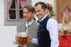 "Niko Kovac und Hasan ""Brazzo"" Salihamidžić (re.)FC Bayern in Käfers Wiesnschenke am Oktoberfest in München 2019"