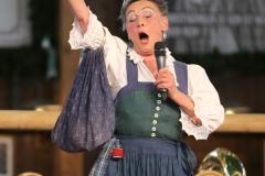 Lore März, Talentwettbewerb Jetzt sing i für die BR Brettlspitzen im Volkssängerzelt zur Schönheitskönigin auf der Oidn Wiesn in München  am 25,9, 2019