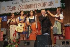 """Auf d'Sait'n mit Jürgen Kirner, Nachwuchswettbewerb """"Jetzt sing i """" in der Schönheitskönigin auf der Oidn Wiesn am Oktoberfest in München 2018"""