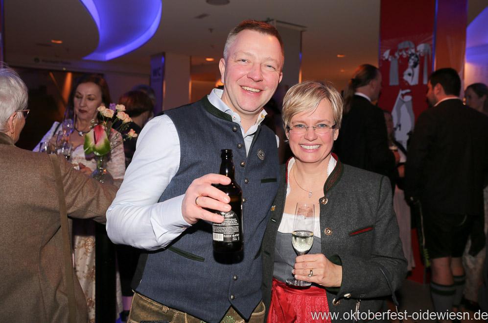 Christian und Petra Winklhofer, Oide Wiesn Bürgerball im Deutschen Theater in München 2019