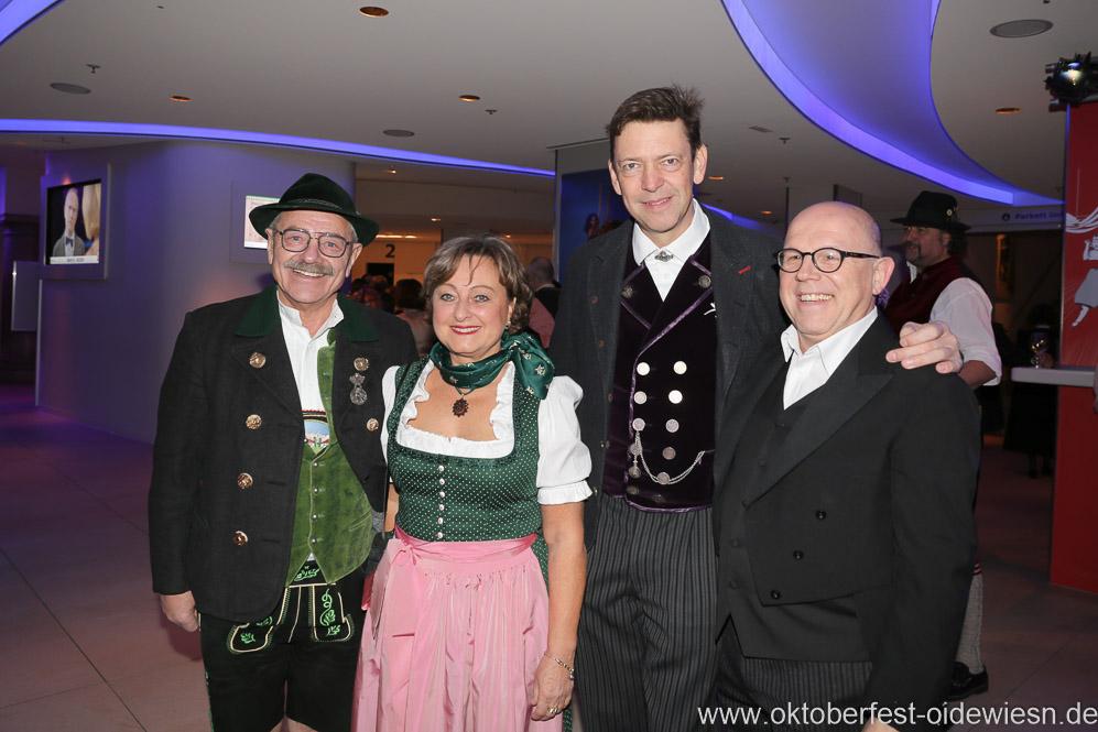 Otto Seidl, Rita Tyrock, Peter Reichert, Jürgen Kirner ( von li. nach re.), Oide Wiesn Bürgerball im Deutschen Theater in München 2019