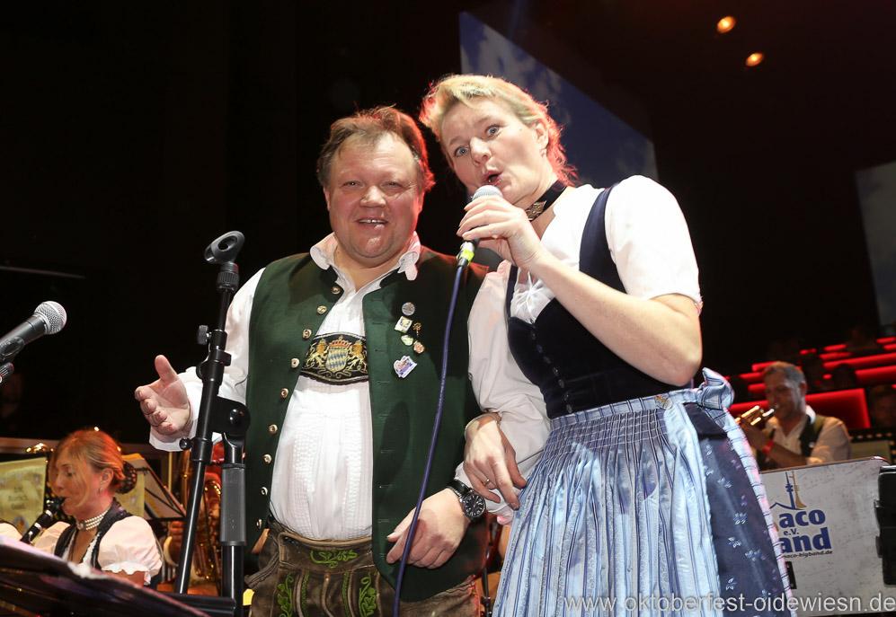 Wolfgang Grünbauer und Gigi Pfundmair, Oide Wiesn Bürgerball im Deutschen Theater in München 2019