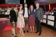 Christian Schöttl, Sarah I, Fabrician I., Günter Malescha (von re. nach li.), Oide Wiesn Bürgerball im Deutschen Theater in München 2019