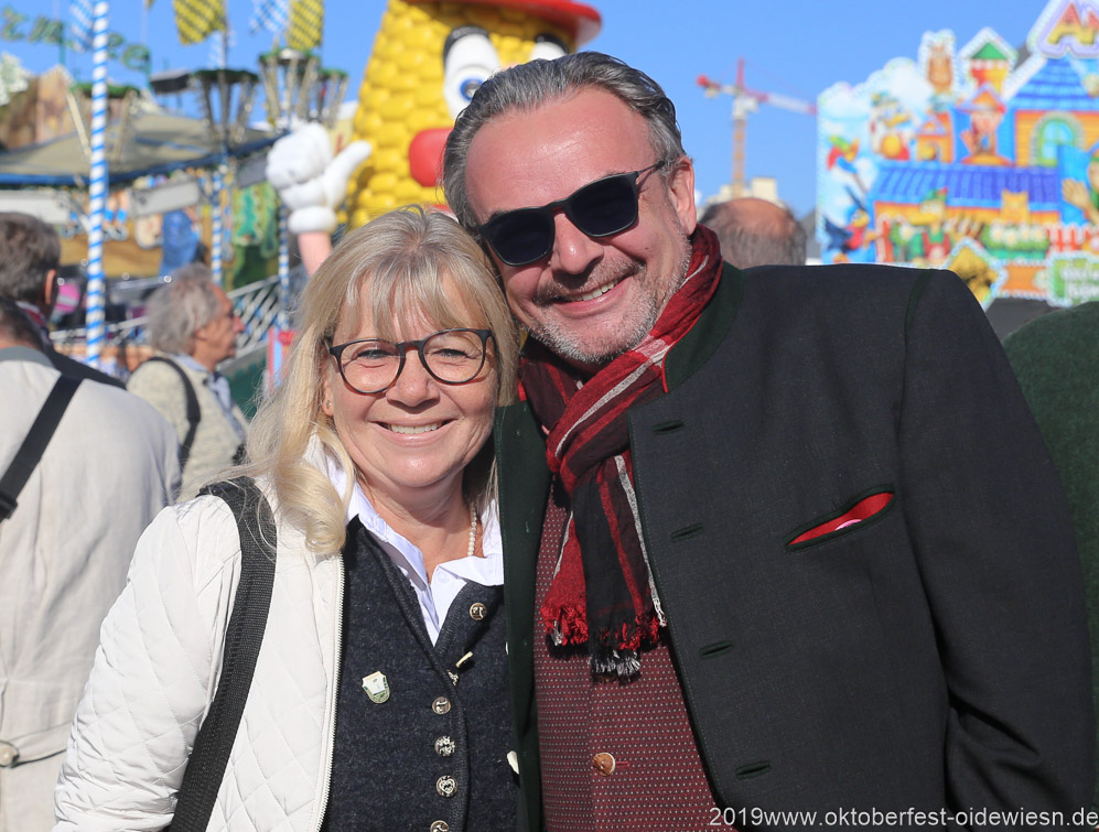 Gabriele Neff und  Klaus-Peter Rupp, Oktoberfest Presserundgang über die Theresienwiese in München  2019