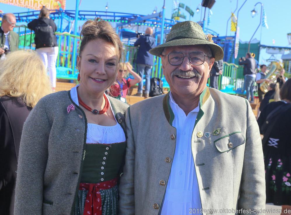 Ulrike Grimm und Otto Seidl, Oktoberfest Presserundgang über die Theresienwiese in München  2019