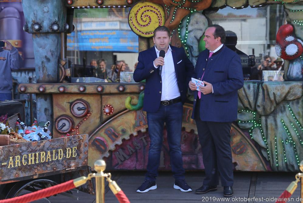 Patrick Geier und Clemens Baumgärtner (re.), Oktoberfest Presserundgang über die Theresienwiese in München  2019