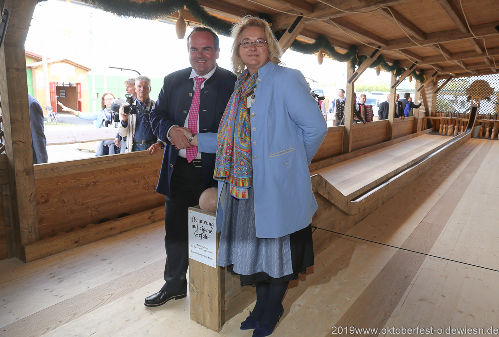 Clemens Baumgärtner und Yvonne Heckl, Oktoberfest Presserundgang über die Theresienwiese in München  2019