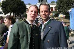 Matthias Reinbold (li.) und Otto Lindinger (re.), Wiesn Platzkonzert mit allen Wiesnkapellen unter der Bavaria am Oktoberfest in München 2018