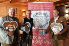 Christian Schottenhamel,  Gregor Lemke, Peter Inselkammer (von li. nach re.), Pressekonferenz Wirtshaus Wiesn im Augustiner am Platzl 2021