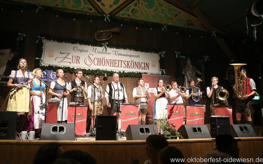 Kapelle Kaiserschmarrn, Schönheitskönigin 15. Tag auf der Oidn Wiesn am Oktoberfest in München 2018