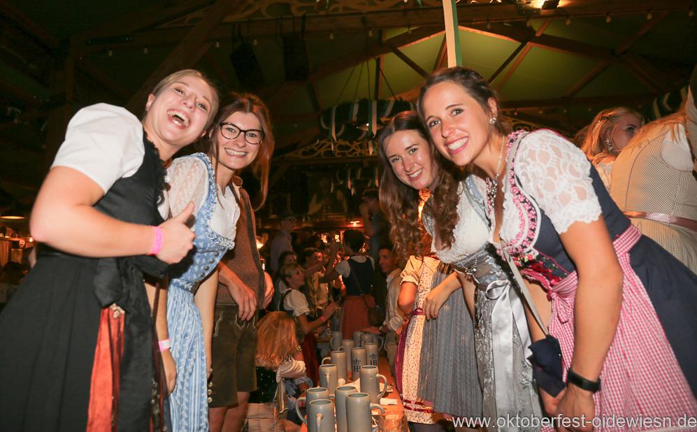 Schönheitskönigin 15. Tag auf der Oidn Wiesn am Oktoberfest in München 2018