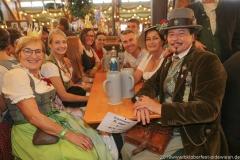 Der 2. Tag im Volkssängerzelt zur Schönheitskönigin auf der Oidn Wiesn in München 2019