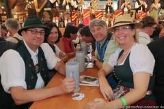Zwoagschroa, Der 2. Tag im Volkssängerzelt zur Schönheitskönigin auf der Oidn Wiesn in München 2019
