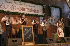Regensburger Wirtshausmusikanten, der 3. Tag in der Schönheitskönigin auf der Oidn Wiesn am Oktoberfest in München 2018