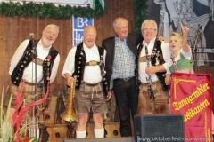 Tanngrindler Musikanten und Prof. Erich Rinner (2. von re.), der 3. Tag in der Schönheitskönigin auf der Oidn Wiesn am Oktoberfest in München 2018