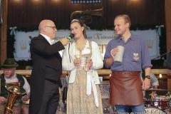 Jürgen Kirner (li.), Der 3. Tag im Volkssängerzelt zur Schönheitskönigin auf der Oidn Wiesn in München 2019