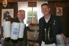 Christian Schottenhamel und Peter Reichert (re.), Filserbuam in der Schönheitskönigin auf der Oidn Wiesn am Oktoberfest in München 2018