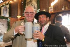 Franz Wamsler und Christian Daniel (re.), Filserbuam in der Schönheitskönigin auf der Oidn Wiesn am Oktoberfest in München 2018