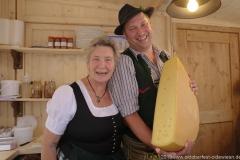 Mia Haas und Hubert Stadler, Tag 5 im Volkssängerzelt zur Schönheitskönigin auf der Oidn Wiesn in München .2019