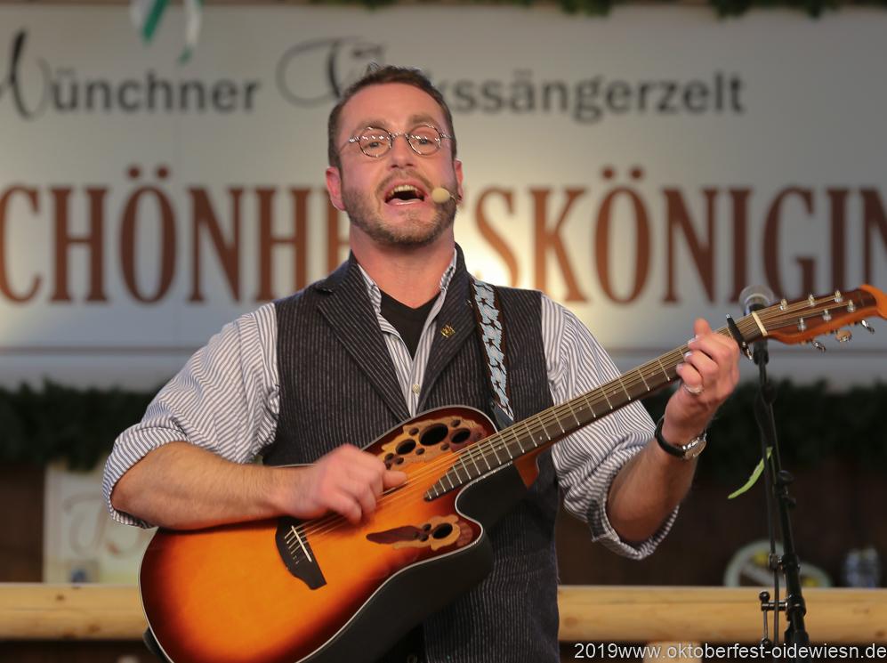 Schleudergang, Tag 6 im Volkssängerzelt zur Schönheitskönigin auf der Oidn München 2019