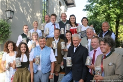 Oktoberfestwirte präsentieren den Wirtekrug am  Nockherberg in München 2019