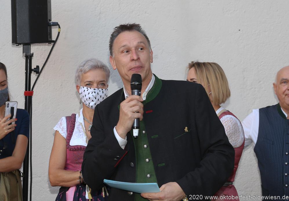 Tobias Ranzinger, Angermaier Wiesn Playmate im Hofbräuhaus in München 2020