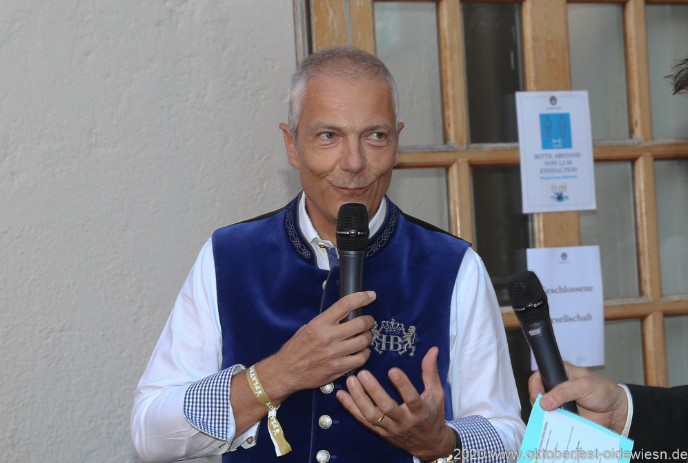 Dr. Michael Möller, Angermaier Wiesn Playmate im Hofbräuhaus in München 2020
