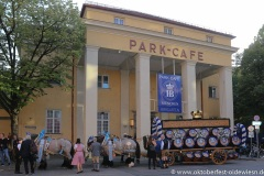 Wiesn Playmate im Park-Cafe in München 2021