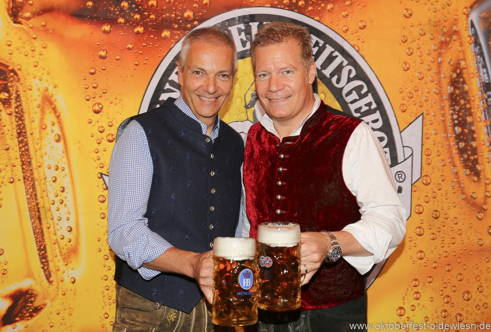 Dr. Michael Möller und Andreas Steinfatt (re.), Wiesnbierprobe in der Ratstrinkstube im Rathaus in München 2018