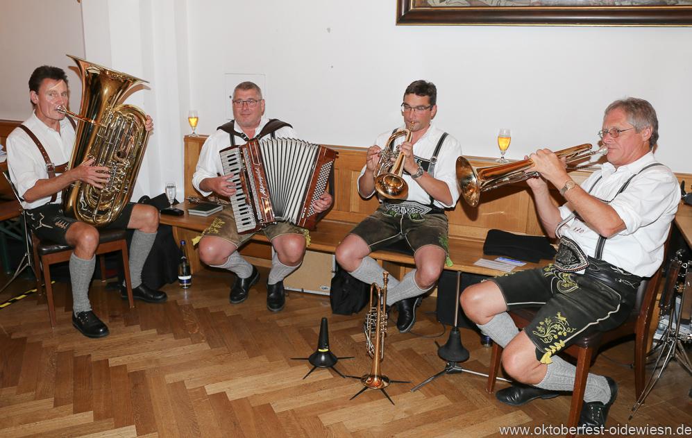 Hinterberger Musikanten, Wiesnbierprobe in der Ratstrinkstube im Rathaus in München 2018
