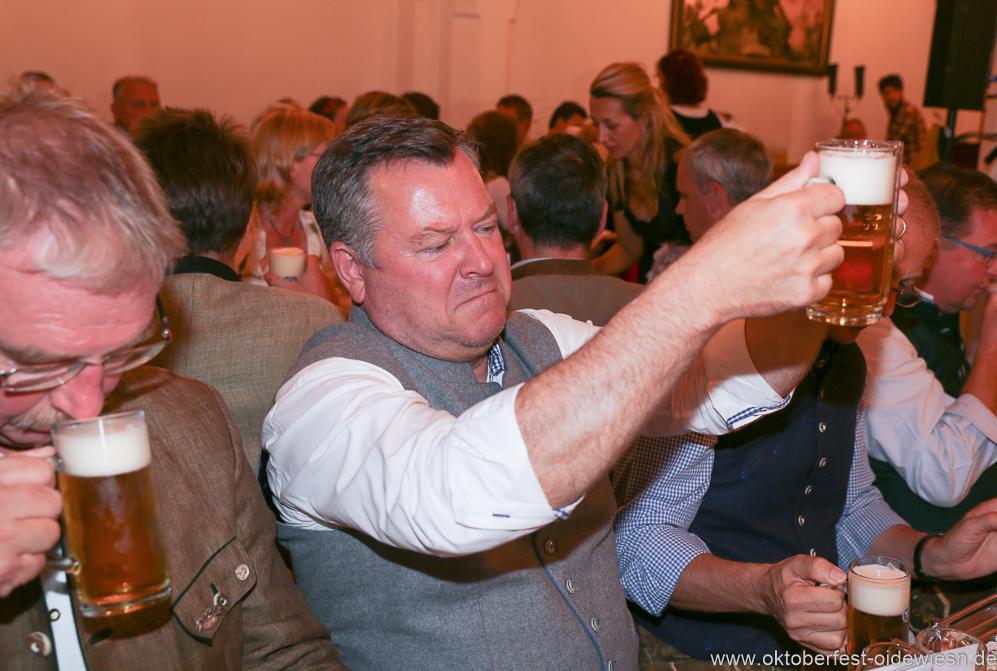 Josef Schmid, Wiesnbierprobe in der Ratstrinkstube im Rathaus in München 2018