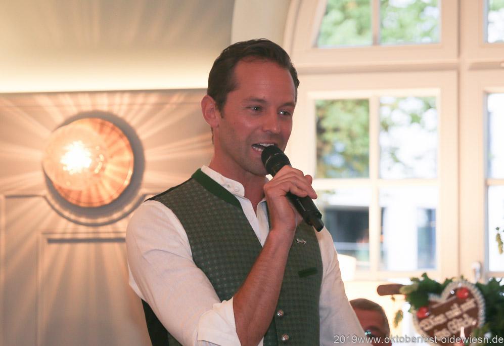 Otto Lindinger, Wiesnbierprobe im Bad am Bavariaring  in München .2019