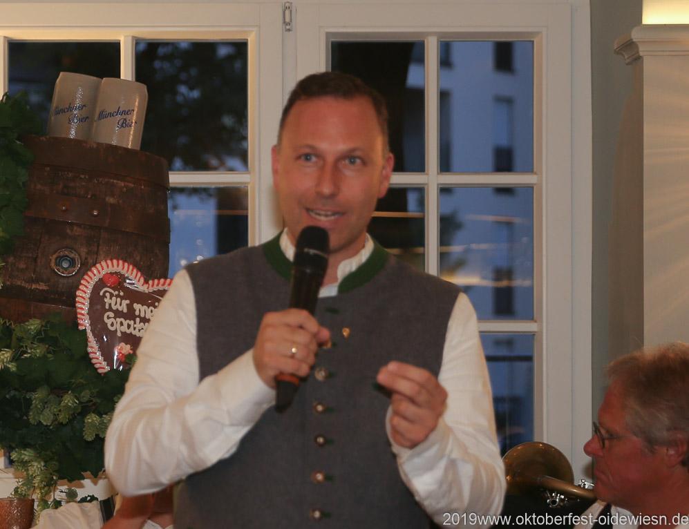 Andreas Brunner, Wiesnbierprobe im Bad am Bavariaring  in München .2019