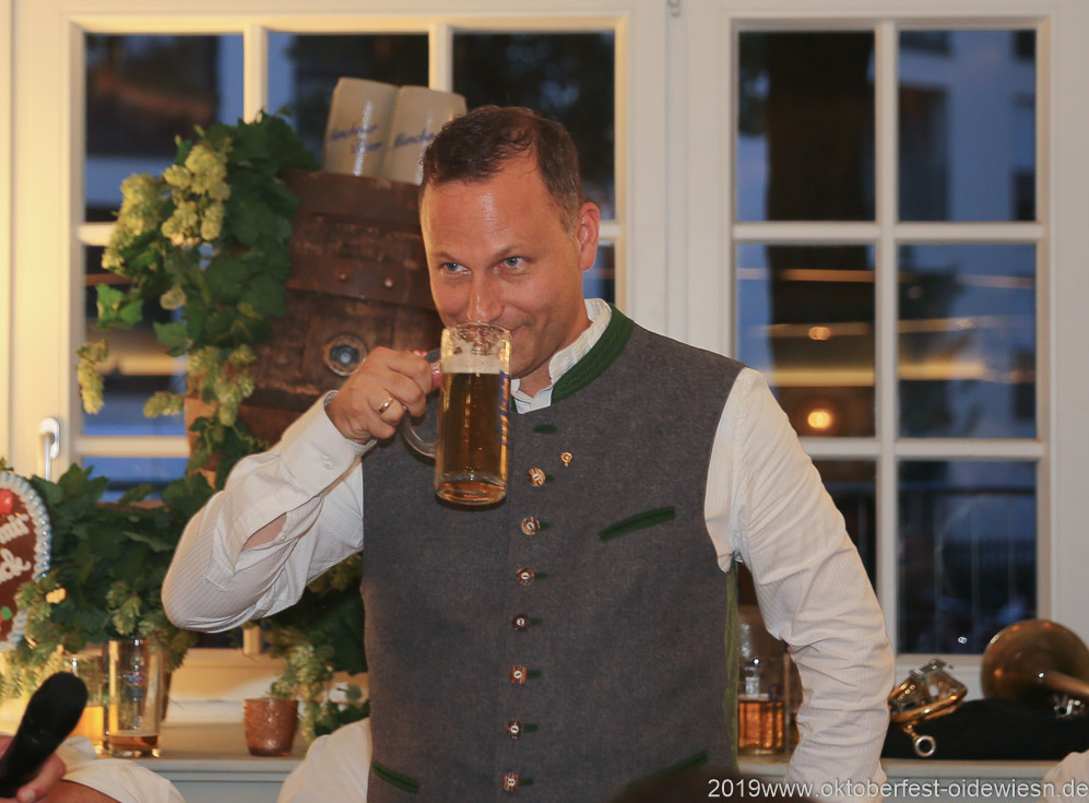 Andreas Brunner, Wiesnbierprobe im Bad am Bavariaring  in München .2019