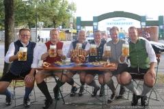 Martin  Leibold, Andreas Steinfatt, Dr. Michael Möller,  Bernhard Klier (von li. nach re.), Harald Stückle (re.), Wiesnbierprobe im Bad am Bavariaring  in München .2019