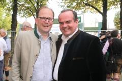 Manuel Pretzl und Clemens Baumgärtner (re.), Wiesnbierprobe im Bad am Bavariaring  in München .2019