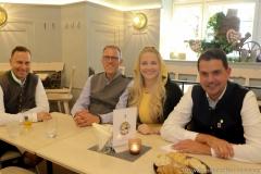 Andreas Brunner,  Christian Dahnke, Viktoria Ostler, Bernd Kräußel (von li. nach re.), Wiesnbierprobe im Bad am Bavariaring  in München .2019