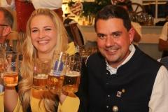 Veronika Ostler und Bernd Käußel, Wiesnbierprobe im Bad am Bavariaring  in München .2019