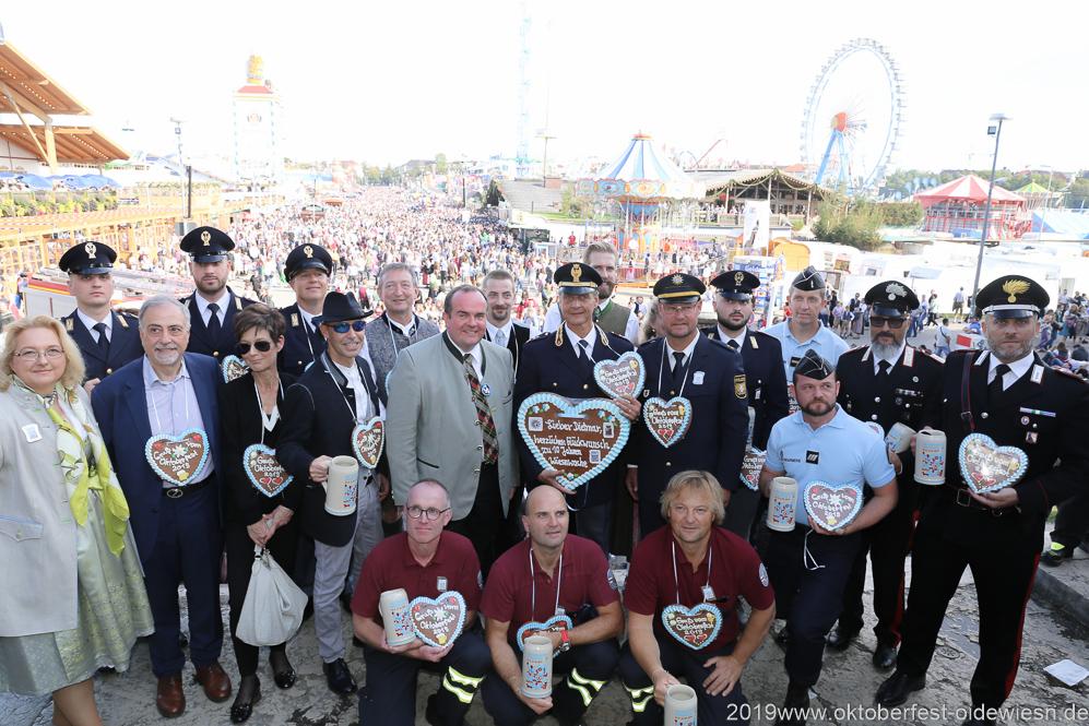 Italienische Polizisten auf dem Oktoberfest