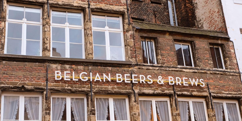 Et hus med teksten Belgian Beers