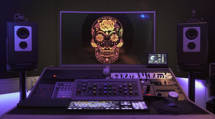 EngQ NoisE Studio - Command Room. Recording. Production. Mix. Mastering.