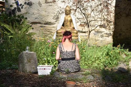 even een moment voor de Buddha