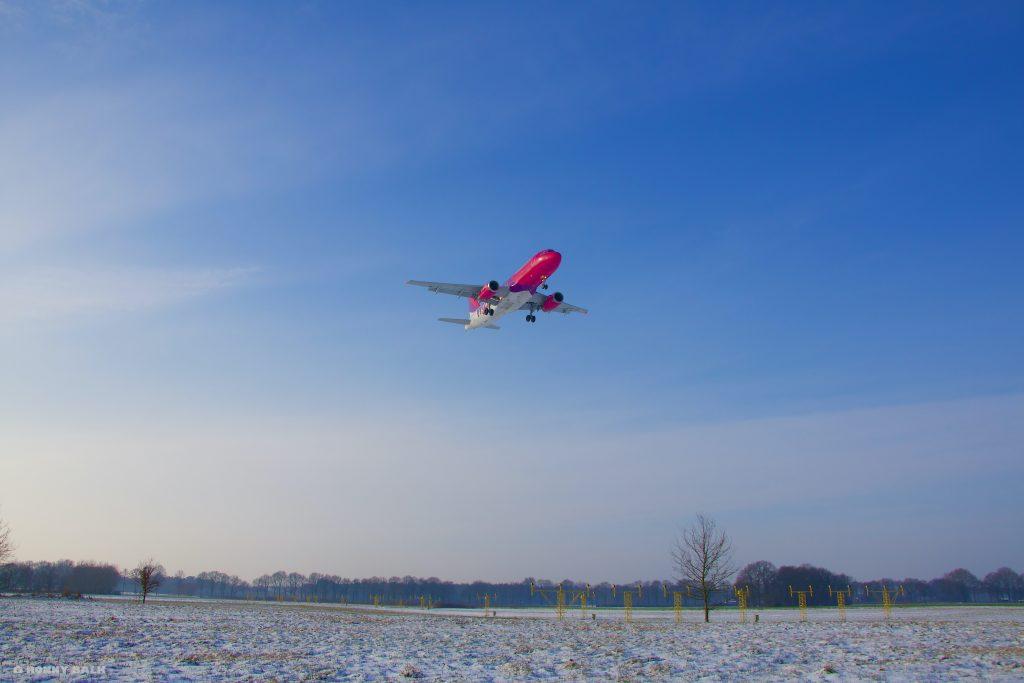 Landing WizzAir Eindhoven Airport
