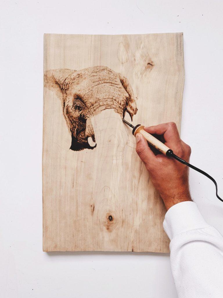 Art - Pyrogravure-Elephant Jack Visser