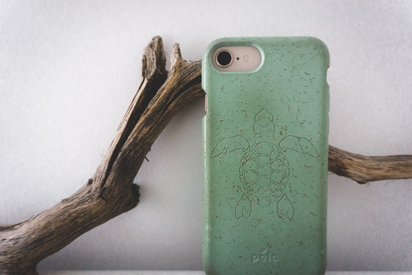 Pela case - Recycled materials - Coolest sustainable gifts