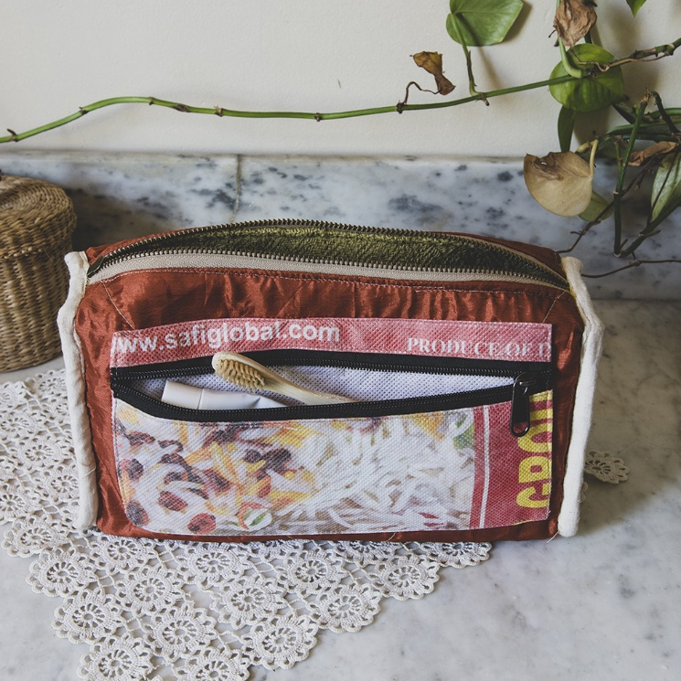 Coolest sustainable gifts - One Second Journal - Himalayan Made - Pouch
